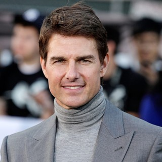 Tom Cruise in Los Angeles Premiere of Oblivion - tom-cruise-premiere-oblivion-02