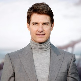 Tom Cruise in Los Angeles Premiere of Oblivion
