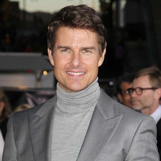 Tom Cruise in Los Angeles Premiere of Oblivion - tom-cruise-premiere-oblivion-05