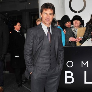 Tom Cruise in Oblivion UK Film Premiere - Arrivals