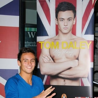 Tom Daley in Tom Daley Signs Copies of His Autobiography My Story