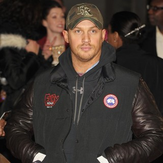 Tom Hardy in Jack Reacher UK Film Premiere - Arrivals - tom-hardy-uk-premiere-jack-reacher-02