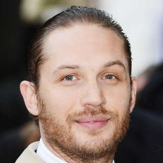 Tom Hardy in The European Premiere of The Dark Knight Rises - Arrivals - tom-hardy-uk-premiere-the-dark-knight-rises-01
