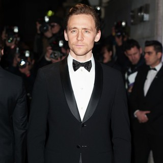 Tom Hiddleston in London Evening Standard Theatre Awards - Arrivals