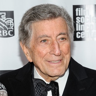 Tony Bennett in 40th Anniversary Chaplin Award Gala Honoring Barbra Streisand