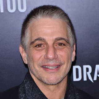New York Premiere of The Girl with the Dragon Tattoo - Arrivals - tony-danza-premiere-the-girl-with-the-dragon-tattoo-01