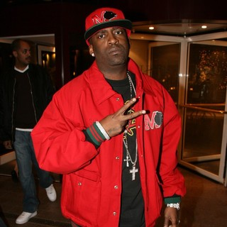 Tony Yayo Leaving Hyatt Hotel - tony-yayo-leaving-hyatt-hotel-01