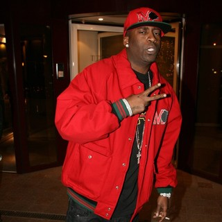 Tony Yayo in Tony Yayo Leaving Hyatt Hotel