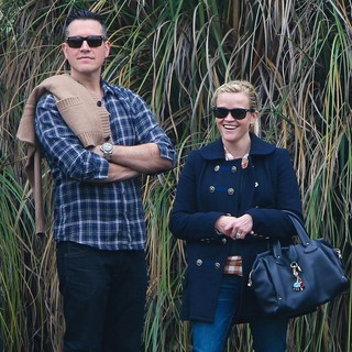 Jim Toth, Reese Witherspoon in Reese Witherspoon Watches Son Deacon's Soccer Game