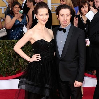 Jocelyn Towne, Simon Helberg in 19th Annual Screen Actors Guild Awards - Arrivals