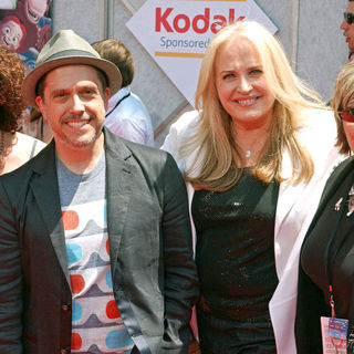 Kristen Schaal, Lee Unkrich, Darla K. Anderson in Los Angeles Premiere of Walt Disney Pictures 'Toy Story 3' - Arrivals