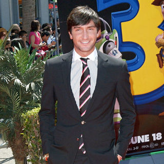 Evan Lysacek in Los Angeles Premiere of Walt Disney Pictures 'Toy Story 3' - Arrivals