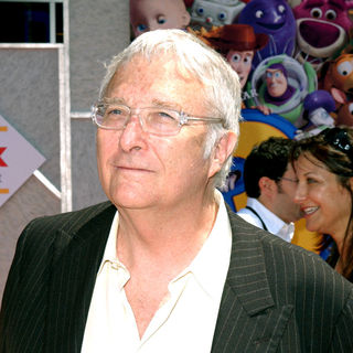 Randy Newman in Los Angeles Premiere of Walt Disney Pictures 'Toy Story 3' - Arrivals