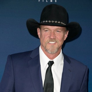Trace Adkins in Premiere of Moms' Night Out
