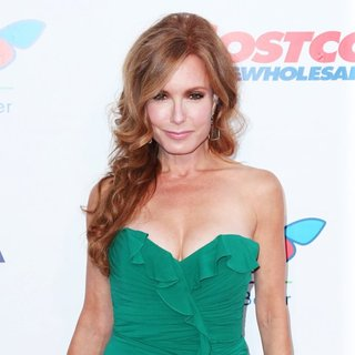 Tracey E. Bregman in 2014 Children's Hospital Los Angeles' Gala: Noche De Ninos - Arrivals