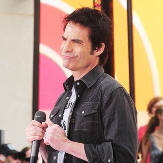 Pat Monahan, Train in Train Performing Live During The Today Show Summer Concert Series