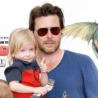 Dean McDermott in Los Angeles Premiere of 'How to Train Your Dragon'