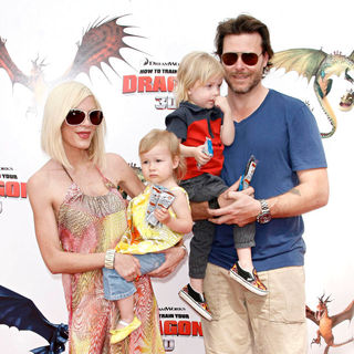 Tori Spelling, Dean McDermott in Los Angeles Premiere of 'How to Train Your Dragon'