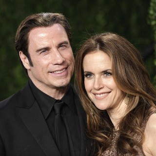 Kelly Preston in 2013 Vanity Fair Oscar Party - Arrivals - travolta-preston-2013-vanity-fair-oscar-party-01