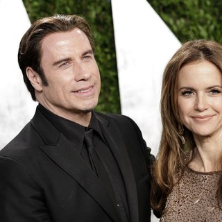 Kelly Preston in 2013 Vanity Fair Oscar Party - Arrivals - travolta-preston-2013-vanity-fair-oscar-party-02