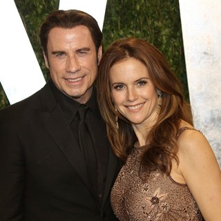 Kelly Preston in 2013 Vanity Fair Oscar Party - Arrivals - travolta-preston-2013-vanity-fair-oscar-party-04