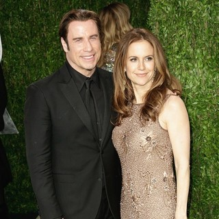 Kelly Preston in 2013 Vanity Fair Oscar Party - Arrivals - travolta-preston-2013-vanity-fair-oscar-party-06