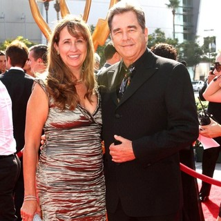 Wendy Treece, Beau Bridges in 2011 Primetime Creative Arts Emmy Awards - Arrivals