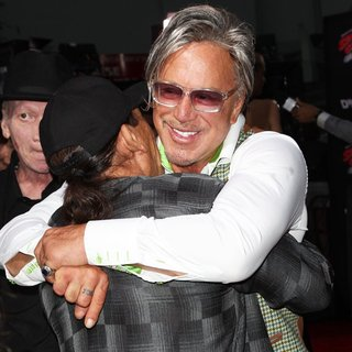 Mickey Rourke in Los Angeles Premiere of Sin City: A Dame to Kill For - trejo-rourke-premiere-sin-city-a-dame-to-kill-for-01