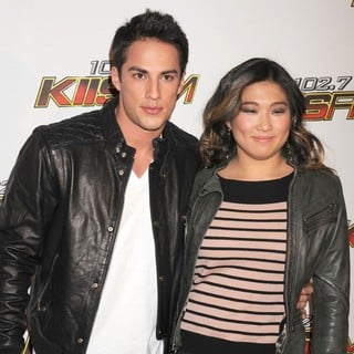 Michael Trevino, Jenna Ushkowitz in 102.7 KIIS FM's Jingle Ball 2011 - Arrivals