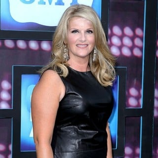 Trisha Yearwood in 2010 CMT Music Awards Blue Carpet Arrivals