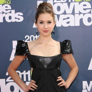 Troian Bellisario in 2011 MTV Movie Awards - Arrivals - troian-bellisario-2011-mtv-movie-awards-02