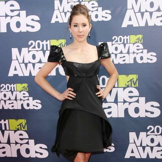 Troian Bellisario in 2011 MTV Movie Awards - Arrivals - troian-bellisario-2011-mtv-movie-awards-03