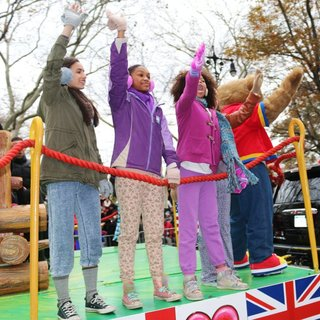 Amanda Troya, Eden Duncan-Smith, Quvenzhane Wallis in 88th Macy's Thanksgiving Day Parade