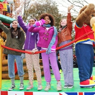 Amanda Troya, Eden Duncan-Smith, Quvenzhane Wallis, Zoe Margaret Colletti in 88th Macy's Thanksgiving Day Parade