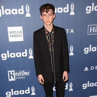 The 27th Annual GLAAD Media Awards - Arrivals