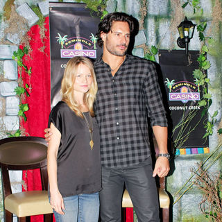 Lindsay Pulsiphe, Joe Manganiello in True Blood Stars Meet and Greet with Fans