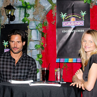 Joe Manganiello, Lindsay Pulsiphe in True Blood Stars Meet and Greet with Fans