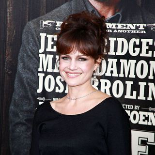 Carla Gugino in New York Premiere of 'True Grit'