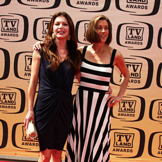 Jane Leeves, Wendie Malick in The TV Land Awards 2010