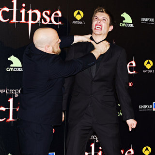 Xavier Samuel in Premiere of 'The Twilight Saga's Eclipse' - twilight_eclipse_006_wenn5506133