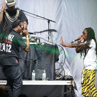 2 Chainz, Lil Wayne in Lil Wayne and 2 Chainz Performing Live on The Nicki Minaj Tour