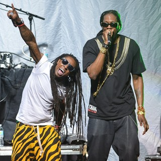 Lil Wayne, 2 Chainz in Lil Wayne and 2 Chainz Performing Live on The Nicki Minaj Tour