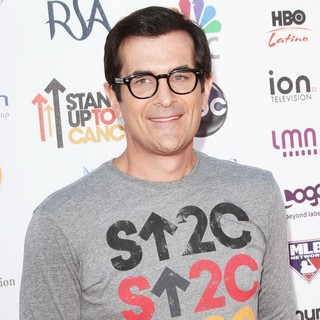 Ty Burrell in Stand Up To Cancer 2012 - Arrivals