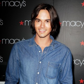 Tyler Blackburn in A Meet and Greet