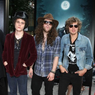 Tyler Bryant & the Shakedown in The Premiere of Abraham Lincoln: Vampire Hunter