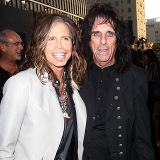 Steven Tyler, Alice Cooper in Dark Shadows Premiere