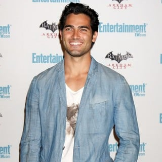 Tyler Hoechlin in Comic Con 2011 Day 3 - Entertainment Weekly Party - Arrivals