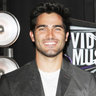 Tyler Hoechlin in 2011 MTV Video Music Awards - Arrivals