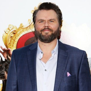 Tyler Labine in Film Premiere The Boss