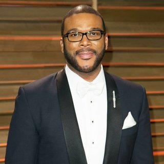 Tyler Perry in 2014 Vanity Fair Oscar Party - tyler-perry-2014-vanity-fair-oscar-party-02